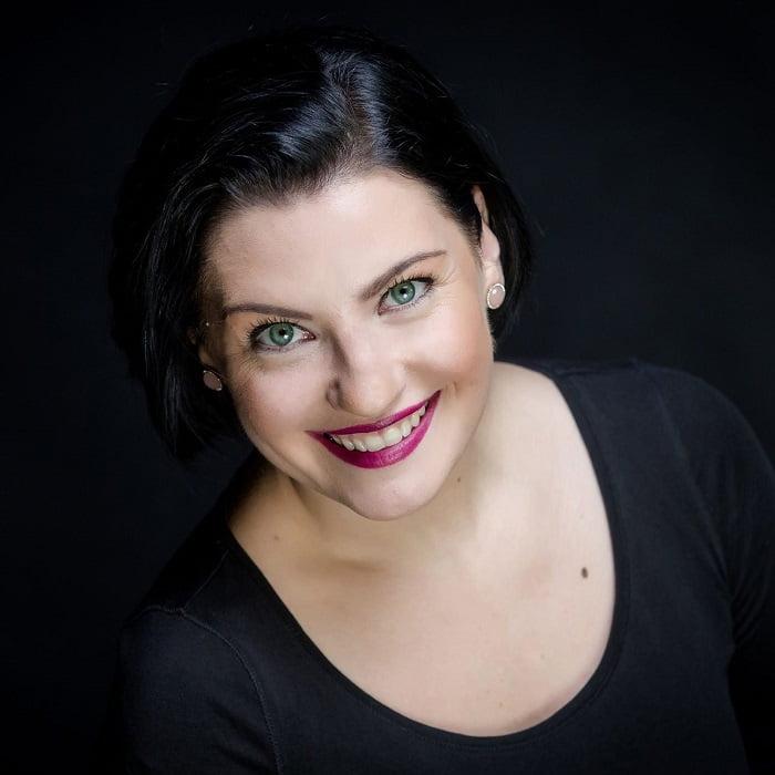 Jomante Slezaite dainavimo mokytoja