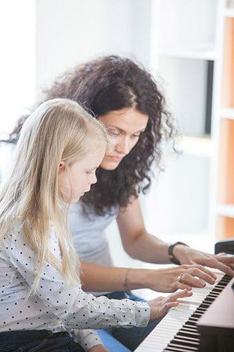 TYLOS Muzikos Studija fortepijono pamokos